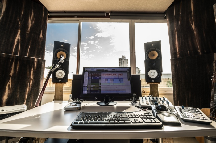 Desk-Front